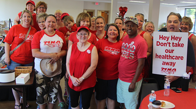 Minnesota Nurses Association members file 10-day notice of strike against Allina Health