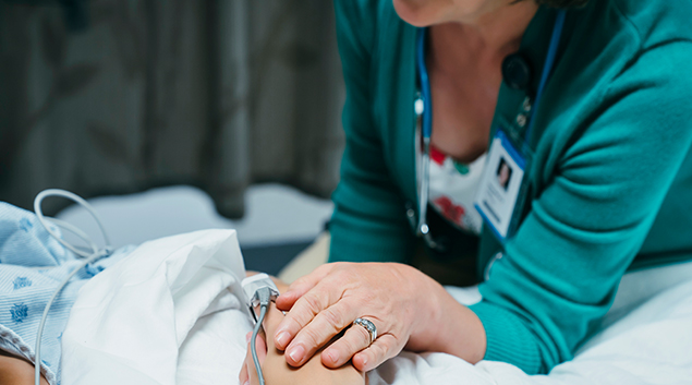 New York City nurses threaten strike over staffing, working conditions at Montefiore, Mount Sinai, New York Presbyterian