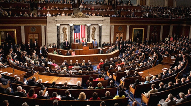 """Photo from <a href=""""http://commons.wikimedia.org/wiki/File:Obama_Health_Care_Speech_to_Joint_Session_of_Congress.jpg"""">Wikipedia</a>."""