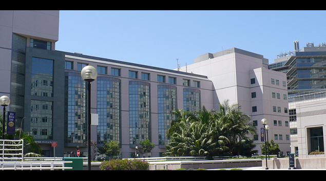 "David Geffen School of Medicine at UCLA photo via <a hreaf=""https://en.wikipedia.org/wiki/David_Geffen_School_of_Medicine_at_UCLA#/media/File:Medcenter.jpg"">Wikipedia</a>"