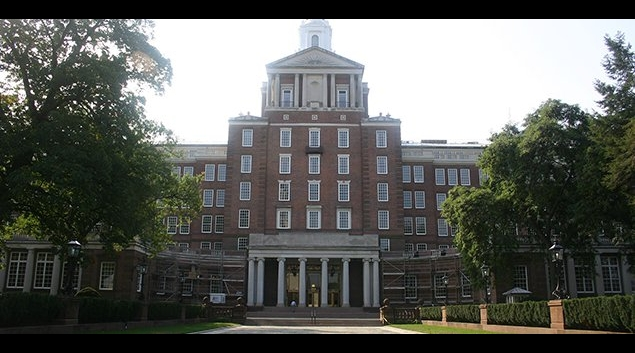 "<a href=""https://upload.wikimedia.org/wikipedia/commons/d/d8/Aetna_building_in_Hartford.gk.jpg"">""Aetna building in Hartford""</a> by grendel