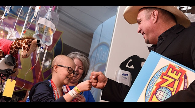 Country music star Garth Brook helps unveil the Child Life Zone at Texas Children's Hospital. (handout)